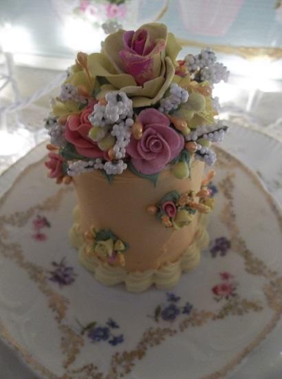 (Autumn Aurora) Funky Junk Fake Cake