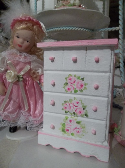 (Margarett) Handpainted Wood Doll House Dresser