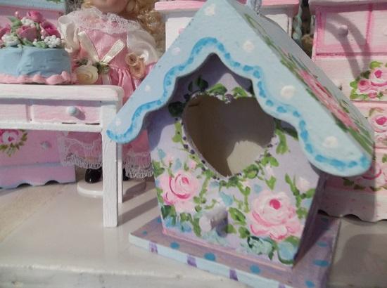 (Ric Rac Rhonda) Handpainted Decorative Birdhouse