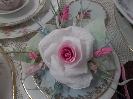 (April Rose) Handmade Paper Rose Clip