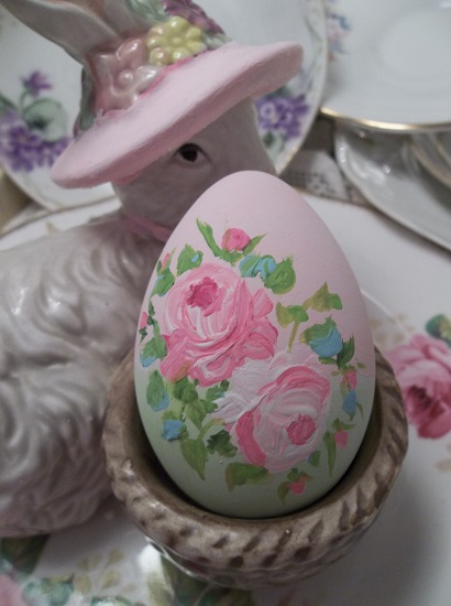 (Candy) Handpainted Fake Egg