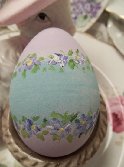 (Gayle) Handpainted Fake Egg