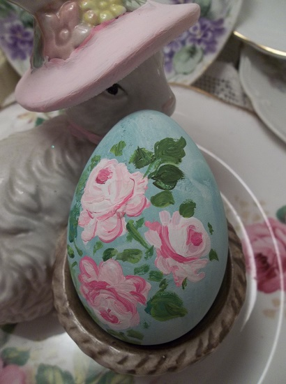 (Kindra) Handpainted Fake Egg