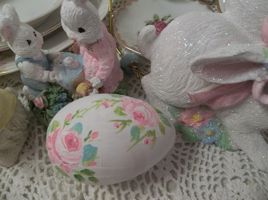 (Marinda) Handpainted Fake Egg