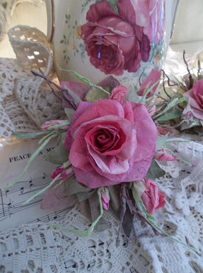 (Aubrianna) Handmade Paper Rose Clip