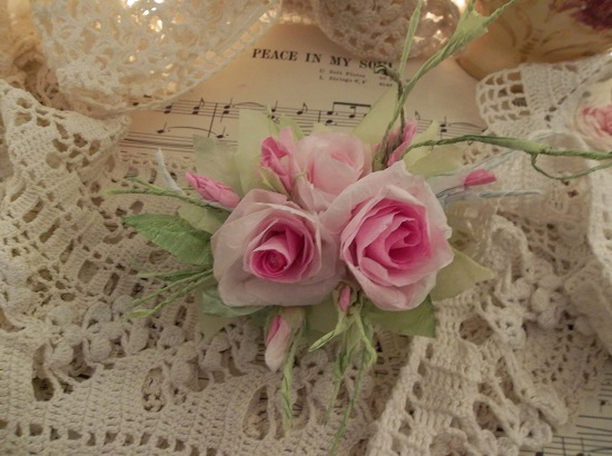 (Patrice) Handmade Paper Rose Clip