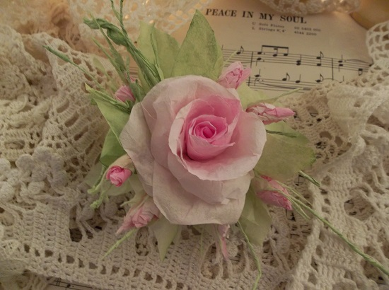 (Quincey) Handmade Paper Rose Clip