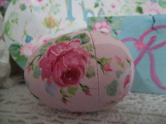 (Rachelle) Handpainted Paper Gift Egg
