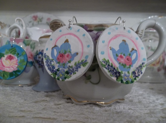 (Periwinkle Tea) Handpainted Earrings