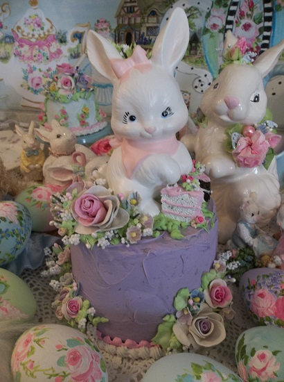 (Bunny Cakes To The Rescue) Funky Junk Fake Cake