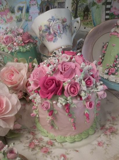 (Ella Mae) Funky Junk Fake Cake