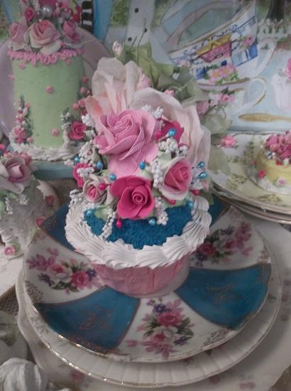 (Karen Dee) Fake Cupcake
