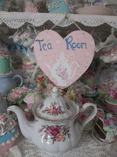 (Tea Room Heart) Handpainted Heart