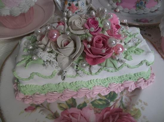 (Wild Pink Pearl) Funky Junk Fake Cake