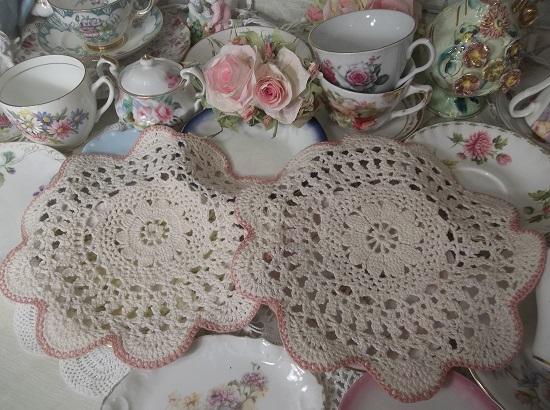(Grandma's Cabin) 2 Piece Crochet Doilies