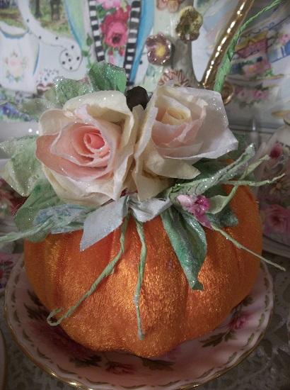 (Autumn Peach) Decorated Foam Velvet Pumpkin