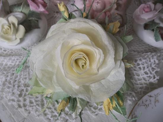 (Marleene) Handmade Paper Rose Clip