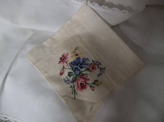 (Forget Me Not Rose) Vintage Hankie