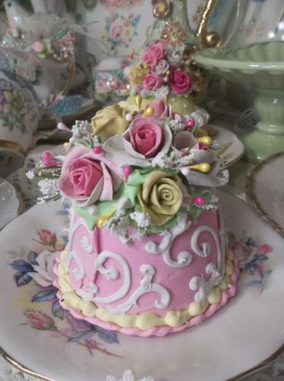 (Sunshine And Roses) Funky Junk Fake Cake