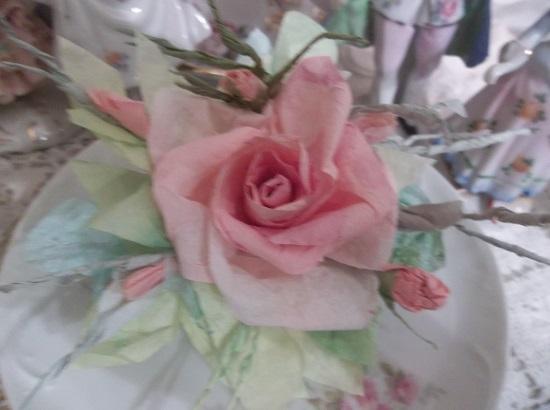 (Queen Peacharoo) Handmade Paper Rose Clip