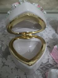 (Rose White) Decorated Trinket Box