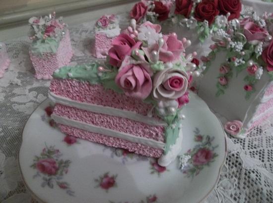 (Princess Leia) Fake Cake Slice