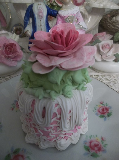 (New Zeeland Zelda) Funky Junk Fake Cake