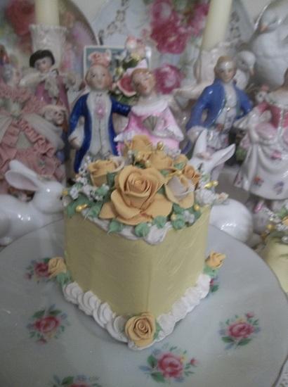 (Sunny Florida) Funky Junk Fake Cake