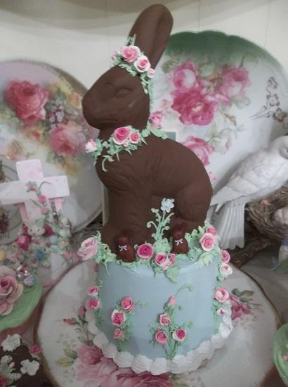 (Chocolate Mama And Triplets) Fake Cake