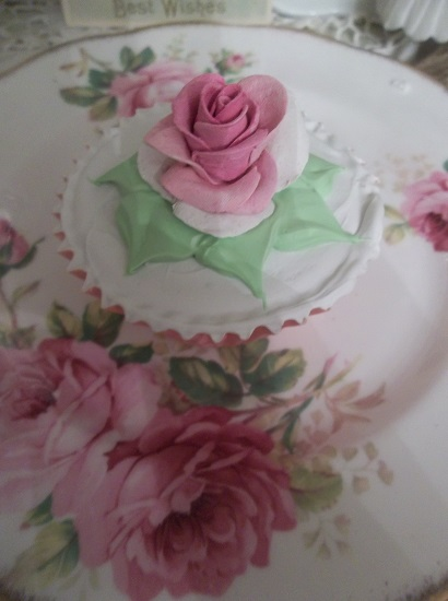 (Daneata) Fake Cupcake