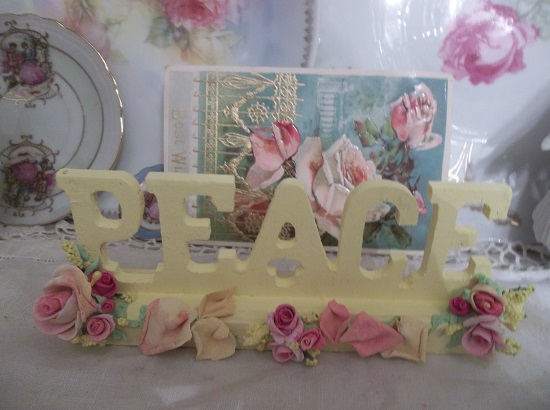 (Peace Rose) Decorated Wood Peace Sign
