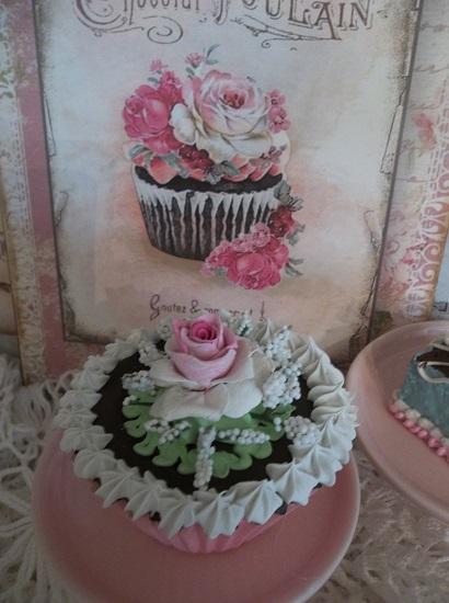 (Sweetest Chocolate Dreams) Fake Cupcake