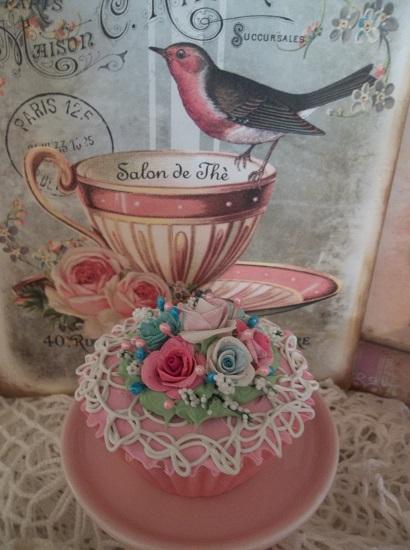 (Confetti) Fake Cupcake