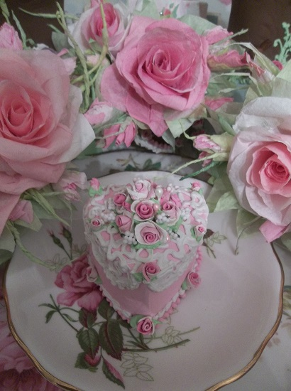 (Dolly) Heart Shaped Fake Cake