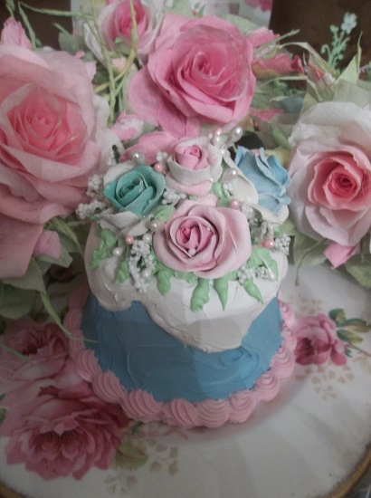 (Daisie Maye) Funky Junk Fake Cake
