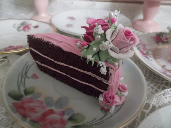 (Queen Of Skinny) Fake Cake Slice