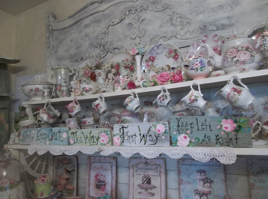 (Set Of 4 Alice In Wonderland Signs) Set Of 4 Handpainted Signs