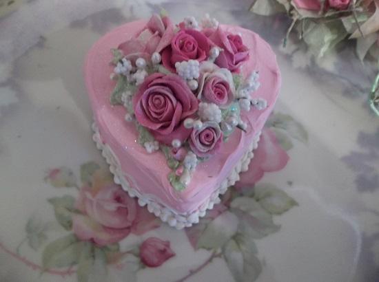(Aimee) Fake Cake