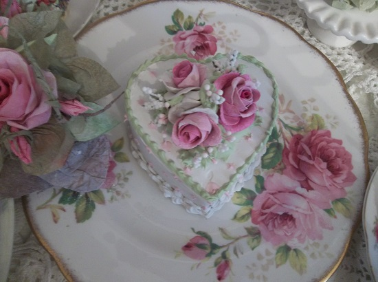 (Marjorie) Fake Cake