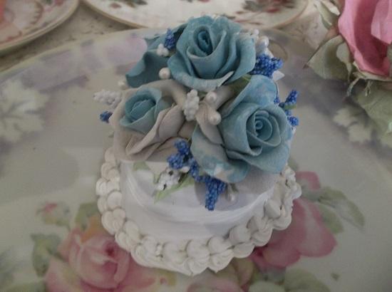 (Blue Rosa) Funky Junk Fake Cake