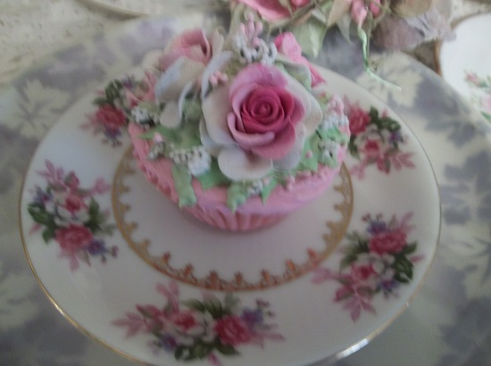 (Simka) Fake Cupcake