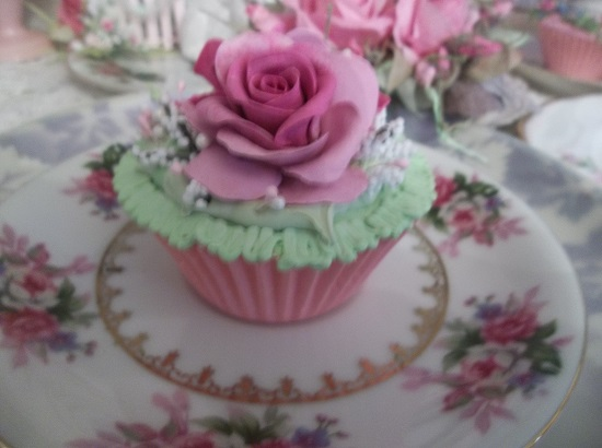 (Lulla) Fake Cupcake