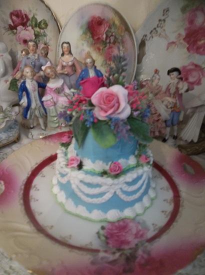 (Summer Rae) Funky Junk Fake Cake