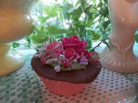 (Charlie) Fake Cupcake