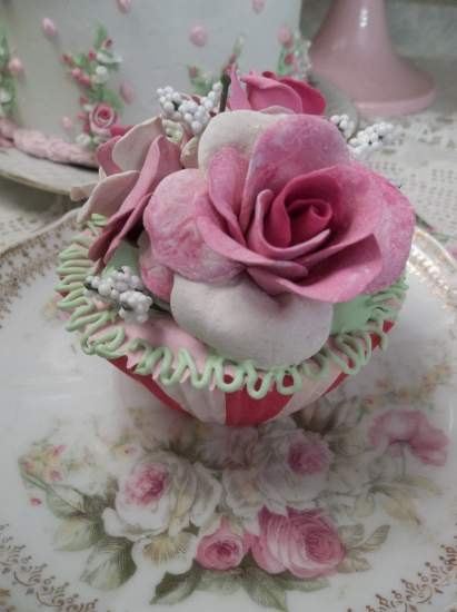 (Circus Rose) Fake Cupcake