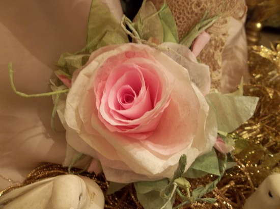 (Truitt Saturday) Handmade Paper Rose Clip