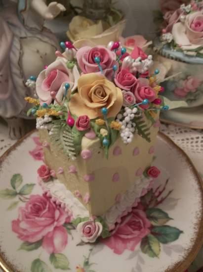 (Beautiful Beth) Fake Cake Slice