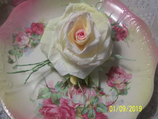 (California Rose Z) Victorian Paper Rose Clip Lamp Decor Chic n Shabby