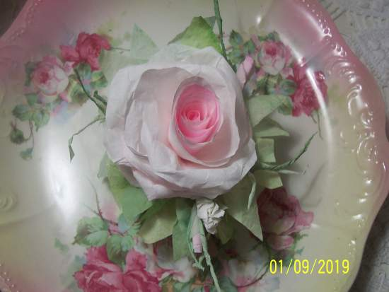 (Strawberry Cream Rose z)  Victorian Paper Rose