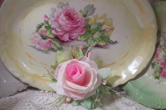 (California Candy) Handmade Paper Rose Clip